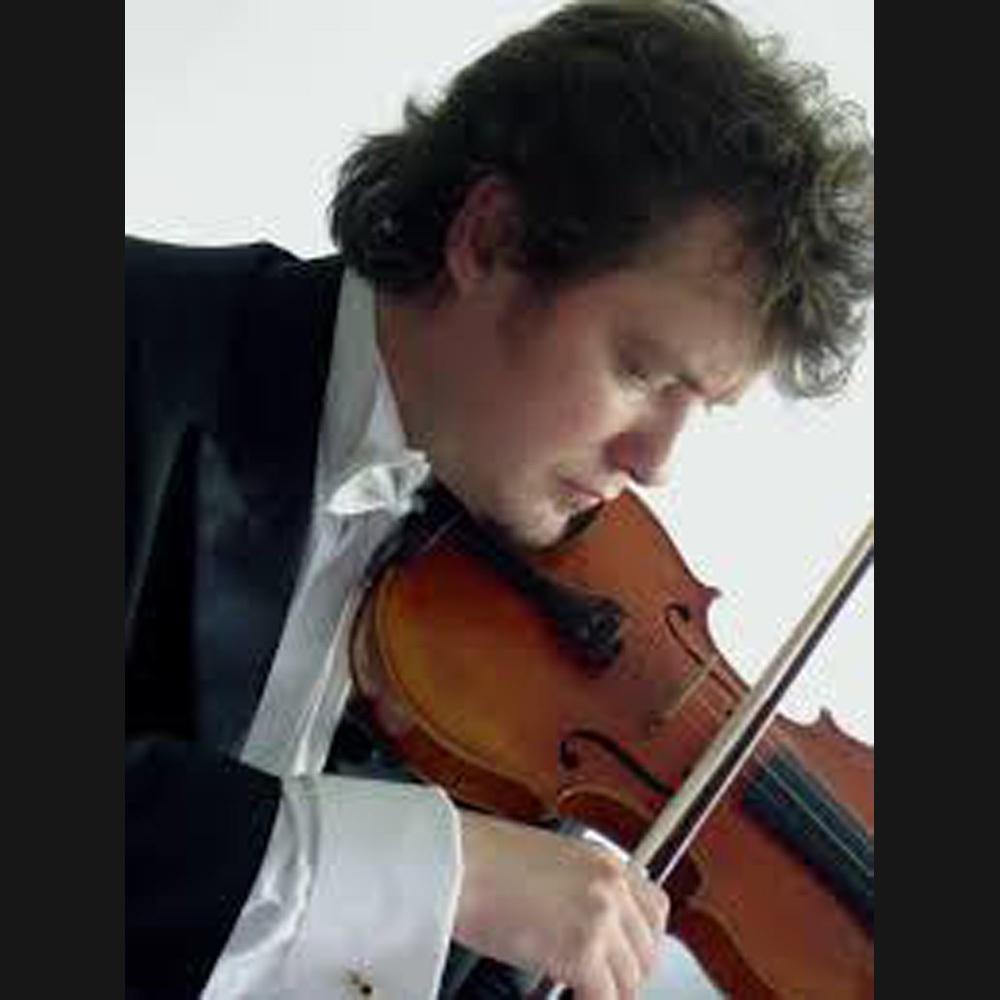 violinista con vestimenta formal